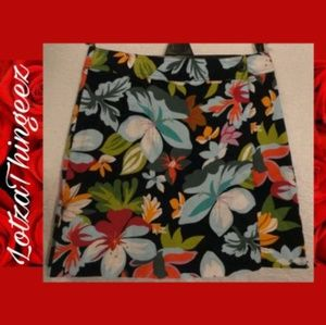 "White Stag 8 Stretch 27"" Waist Navy Floral Skort"